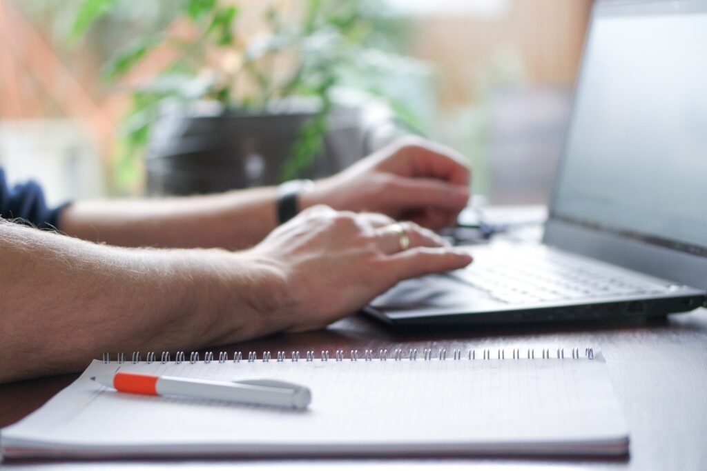 job seeker taking note wrong of job search tips to avoid